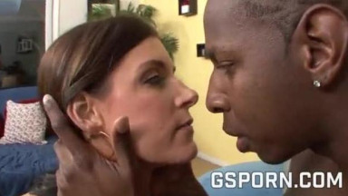 A BBC to fuck the sexy milf