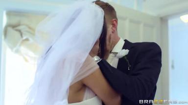 Cheating busty slut cheats on wedding day with bailiff